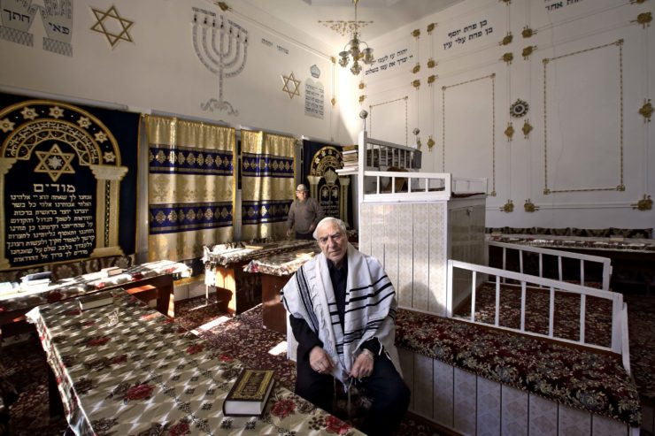 The Last Jews of Bukhara 10